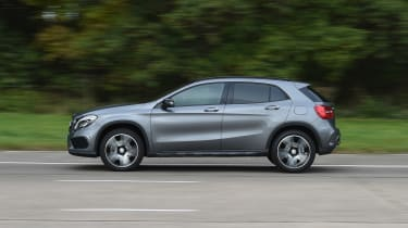 Mercedes GLA - side