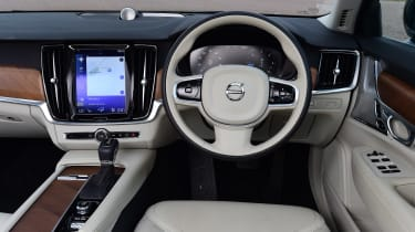 Volvo V90 - dash