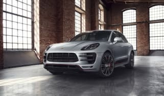 Porsche Macan Turbo Exclusive Performance Edition in silver front