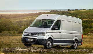 VW Crafter 4motion - front quarter