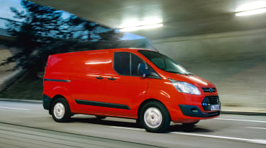 Ford Transit Custom - front driving
