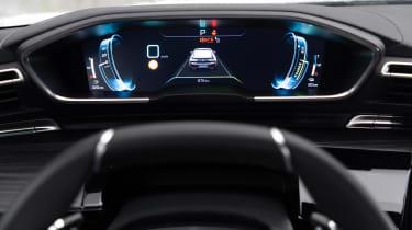 Peugeot 508 Hybrid - dials