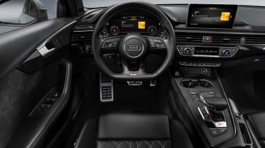 Audi S4 Avant - dash