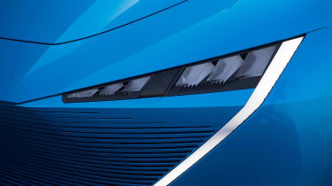 Peugeot Instinct Concept - front light