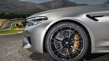 BMW M5 Competition - wheel