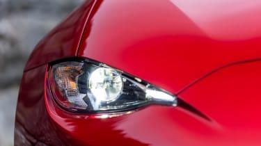Mazda MX-5 1.5 - front light