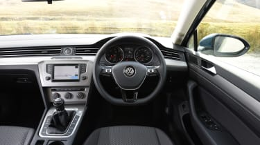 Volkswagen Passat BlueMotion 2016 - interior