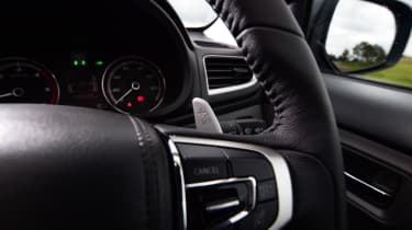 Mitsubishi L200 - steering wheel