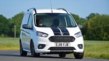 Ford Transit Courier - front