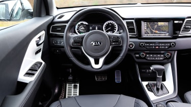 Kia Niro 2016 review - interior