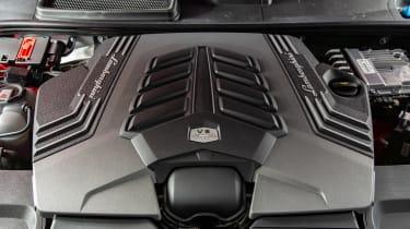Lamborghini Urus - engine