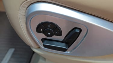 Used Mercedes M-Class - seat controls