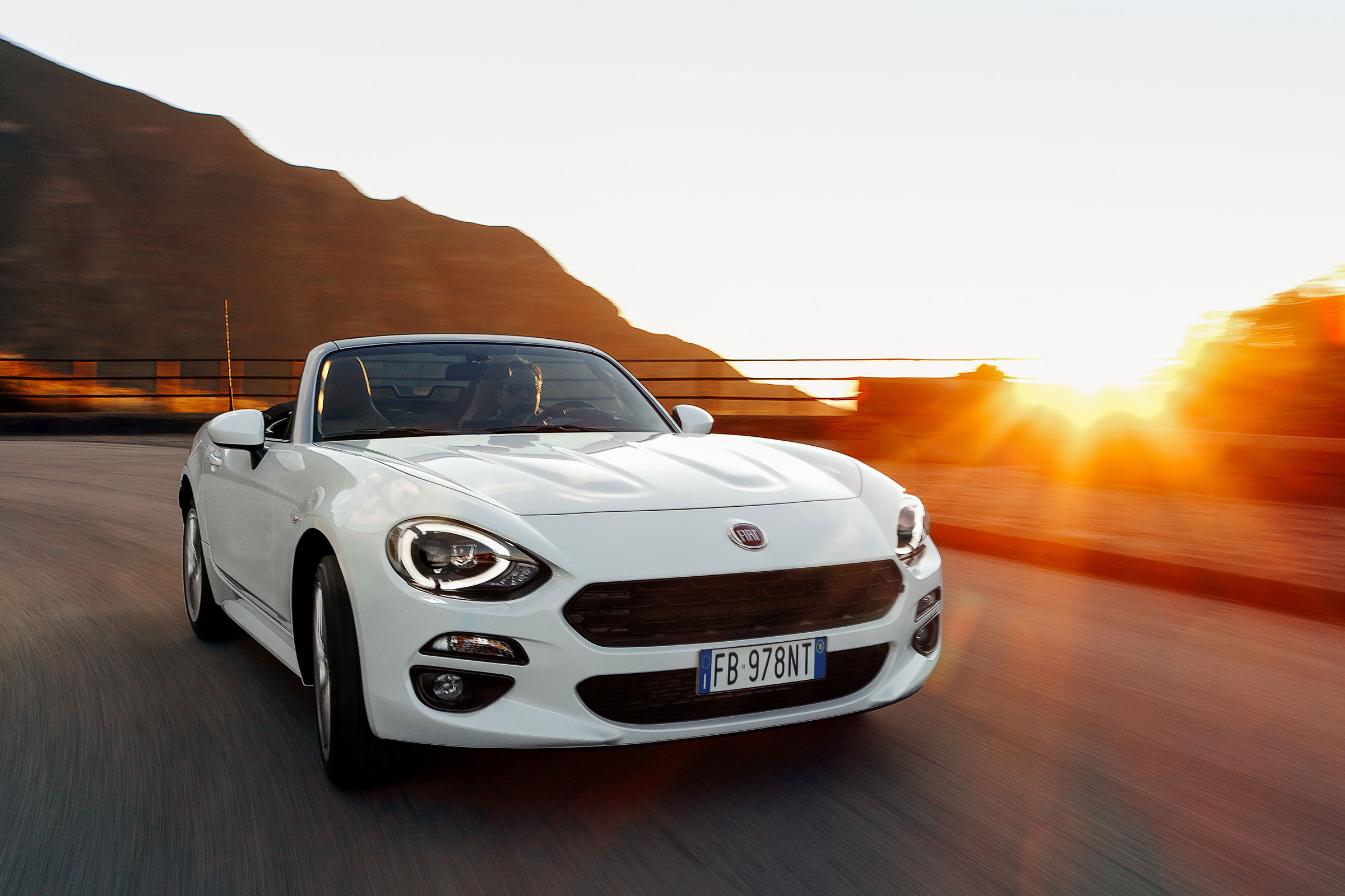 Fiat 124 Spider 2016 2019 Review Auto Express