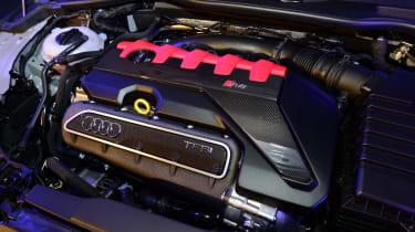 Audi TT RS 2016 - reveal engine