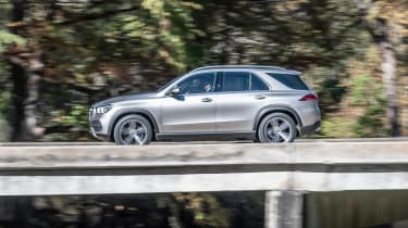 Mercedes GLE - side action