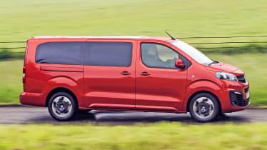 Vauxhall Vivaro Life 2019 panning
