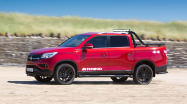 SsangYong Musso Rhino - front action