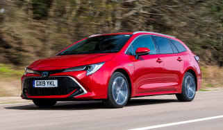 Toyota Corolla Touring Sports - front