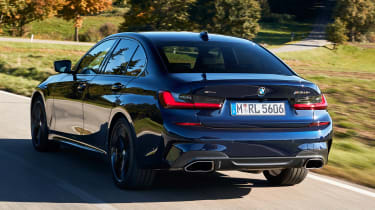 BMW M340i xDrive - rear tracking
