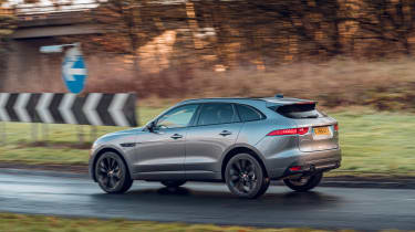 Jaguar F-Pace Chequered Flag - rear action