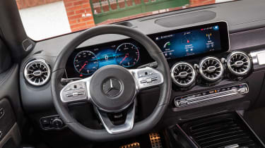 Mercedes GLB - dash