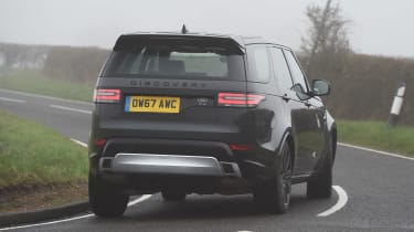 Land Rover Discovery HSE Si6 - rear cornering