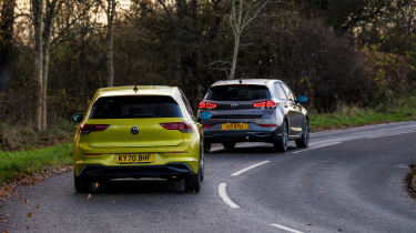 Hyundai i30 vs Volkswagen Golf - group corner rear