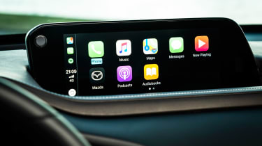 Mazda CX-30 - Apple CarPlay