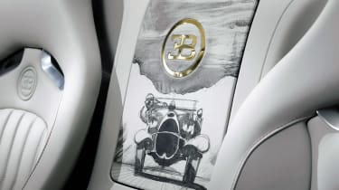 Bugatti-Veyron-Black-Bess-Grand-Sport-Vitesse-rear-compartment