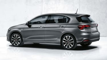 Fiat Tipo - side