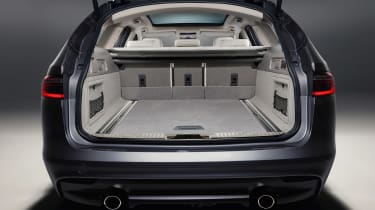 Jaguar XF Sportbrake - boot
