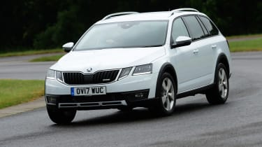 Skoda Octavia Scout review - front cornering