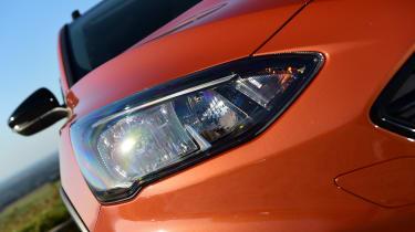 Ford Focus Active - headlight