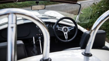 AC Cobra 378 - interior