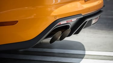 Ford Mustang V8 - exhaust