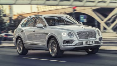 Bentley Bentayga PHEV - front action