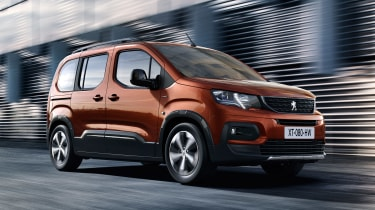 Peugeot Rifter - front action