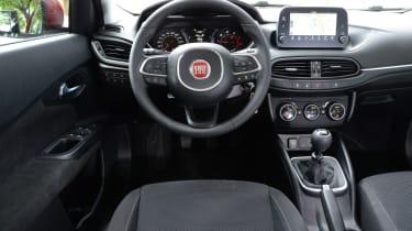 Fiat Tipo hatch 2016 - interior