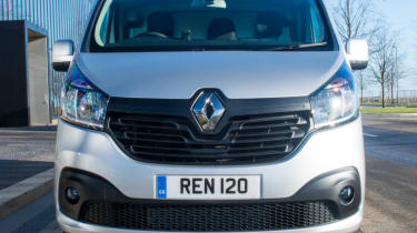 Renault Traffic Sport front grille