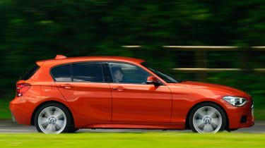BMW 125d M Sport side tracking