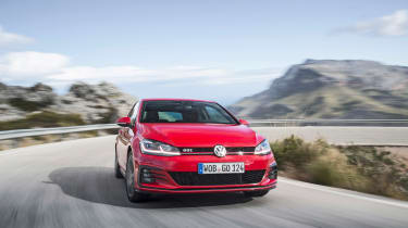 Volkswagen Golf GTI Performance Pack 2017 nose
