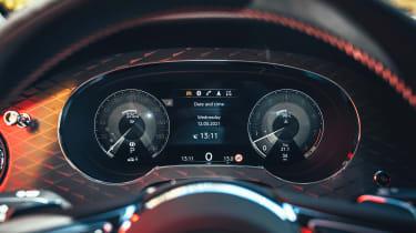 Bentley Bentayga S - dials