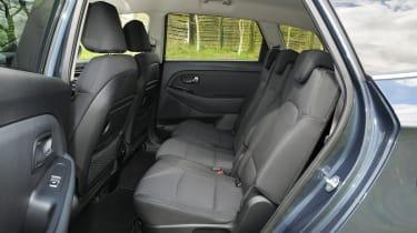 Kia Carens 2 1.7 CRDi seats