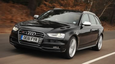 Audi S4 Avant front tracking