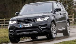Range Rover Sport HSE MY2017 - front cornering