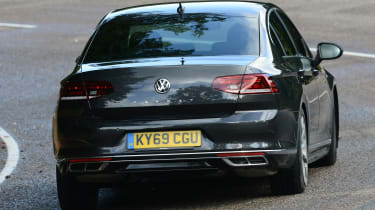 Volkswagen Passat - rear cornering