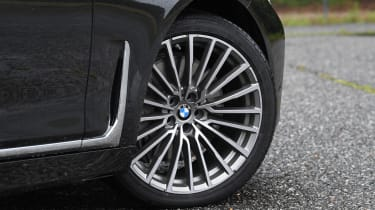 BMW 7 Series - wheel