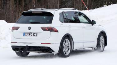 Volkswagen Tiguan R - spyshot 2