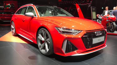 Audi RS 6 Avant - front 3/4 static Frankfurt