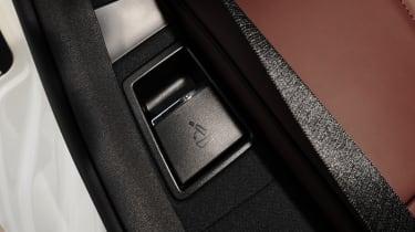Mercedes E-Class Estate detail